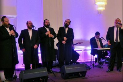 Zimra Singing with Shlomo Simcha